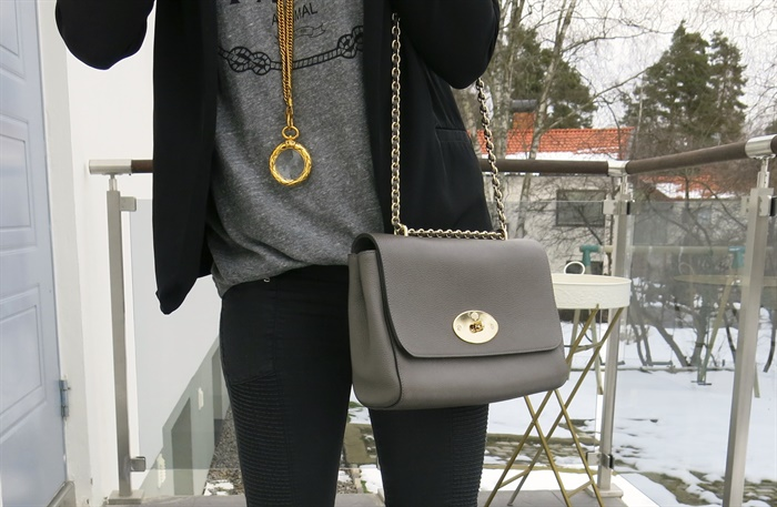Chanel necklace Mulberry medium lily