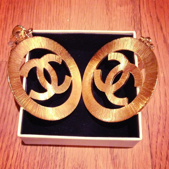 oversize chanel earrings CC logo lady gaga