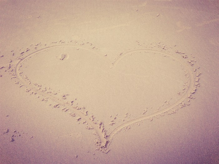 beach art love heart
