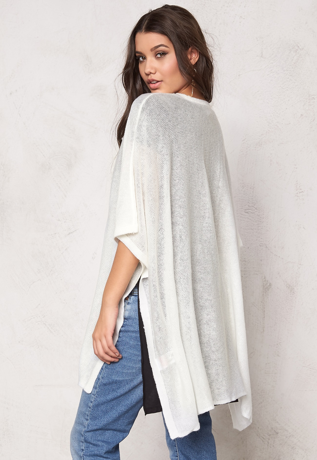 Vero Moda Knitting Yarns : Vero moda awesome knit cape snow white bubbleroom