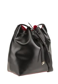 Have2have Bucket Bag, Trafalgar Svart, rött foder. Bubbleroom.se