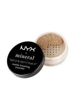 NYX NYX Mineral Finishing Powder - Medium/Dark  Bubbleroom.se
