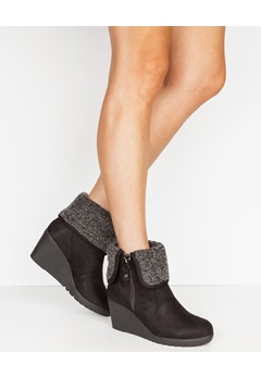 Truffle Boots med kilklackar, Ban88 Svart Bubbleroom.se