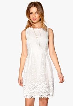 DRY LAKE Hilton Dress Offwhite Bubbleroom.se