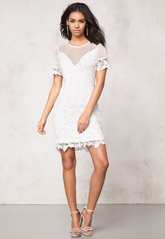 Model Behaviour Meja Dress White Bubbleroom.fi