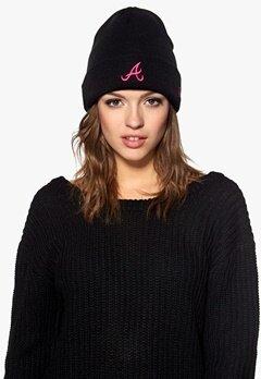 New Era Pop Cuff Knit Atlbra Black/Pink Bubbleroom.se
