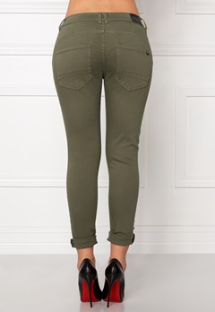 77thFLEA Deanne girlfriend jeans Army green Bubbleroom.se