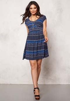 ONLY Nova lux ditsy dress Cloud Dancer Bubbleroom.se