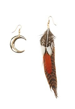 77thFLEA Moon-Feather earrings Gold Bubbleroom.se