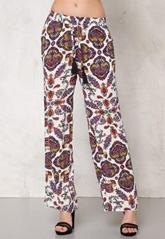 77thFLEA Antalya trousers Offwhite AOP Bubbleroom.se