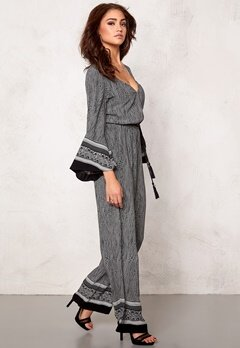 77thFLEA Bangalore jumpsuit Black/White Bubbleroom.se