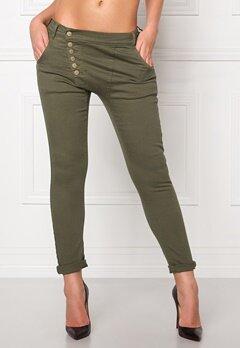 77thFLEA Deanne girlfriend jeans Army green Bubbleroom.se