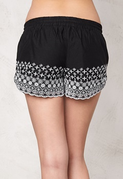 77thFLEA Kenora shorts Black/White Bubbleroom.se
