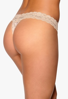 YHUSH Nelly Lace Thong Cream Bubbleroom.se
