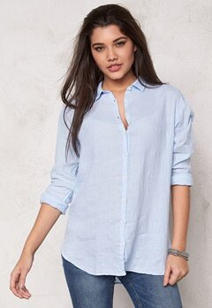 Boomerang Linn Linen Shirt 801 Ice Blue Bubbleroom.se