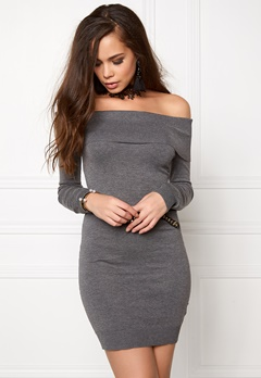 BUBBLEROOM Offshoulder knitted dress Dark grey melange Bubbleroom.se