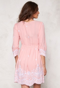 Chiara Forthi Alina Embroidered Dress Blond Pink/White Bubbleroom.se