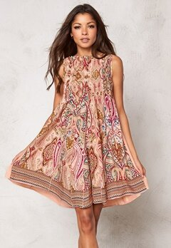 Chiara Forthi Giulia Pintuck Dress Pink Paisley Bubbleroom.no