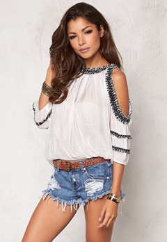 Chiara Forthi Intrend Ceylon Top White/Black Bubbleroom.se
