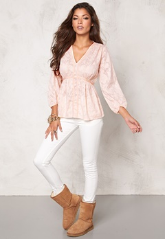 Chiara Forthi Intrend Tulip Sleeve Blouse Light pink Bubbleroom.se