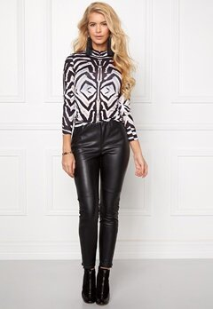 Chiara Forthi Zebu Top Black/White Bubbleroom.se