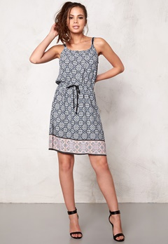 Culture Ari Dress Blue/Black/rose Bubbleroom.se