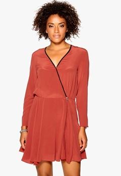 DAGMAR Lilly silk dress 770 Rust Bubbleroom.se