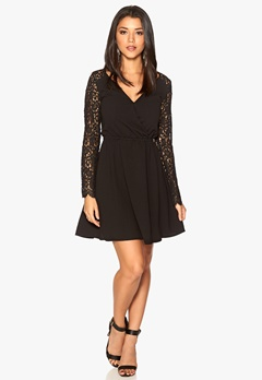 DRY LAKE Arille Short Lace Dress Black Bubbleroom.se