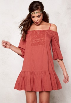 ONLY Guntal Off Shoulder Dress Marsala Bubbleroom.se
