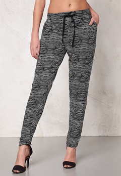ICHI Lisa Pants 10001 Black Bubbleroom.se