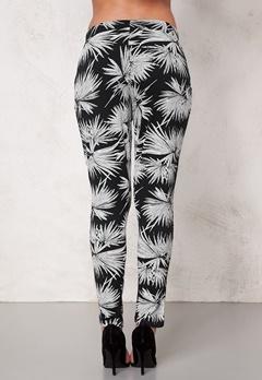 ICHI Lisa Pants 10111 Cloud Dancer Bubbleroom.se