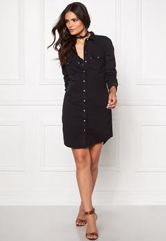 LEVI'S Iconic Western Dress 0005 Black Ink Bubbleroom.se