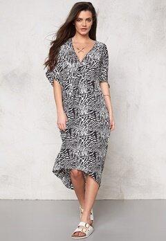 Make Way Alba Dress White/Black/Pattern Bubbleroom.se