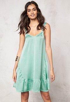 Make Way Fideli Dress Light green Bubbleroom.se