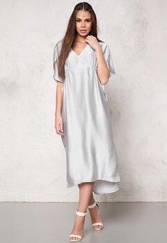Make Way Imogen Dress Silver grey Bubbleroom.se