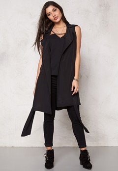 Make Way Maple sleeveless trench Black Bubbleroom.se