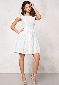 Model Behaviour Freja Dress White Bubbleroom.fi