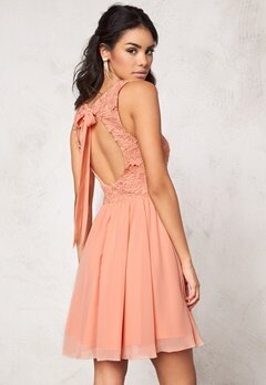 Model Behaviour Ida Dress Peach Bubbleroom.se