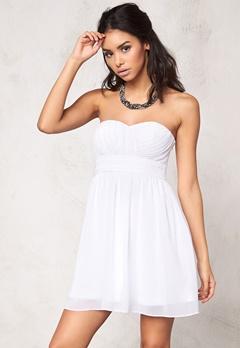 Model Behaviour Lita Dress White Bubbleroom.dk