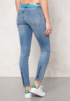 Odd Molly Stretch it cropped jeans Mid Blue Bubbleroom.se