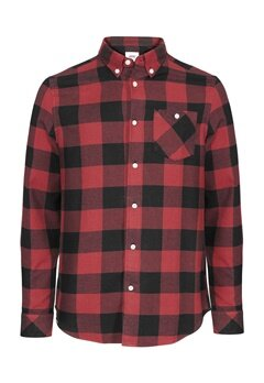 WeSC Olavi l/s shirt relaxed Candy apple Bubbleroom.se