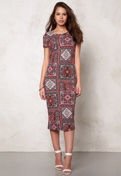 ONLY Abbie ss Calf Dress Marrakesh Squares Bubbleroom.se