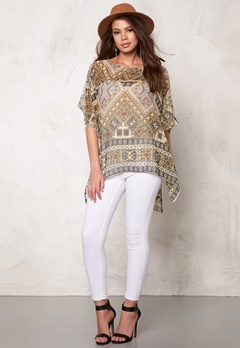 ONLY Emilie Ikat Beach Poncho Bone White Bubbleroom.se