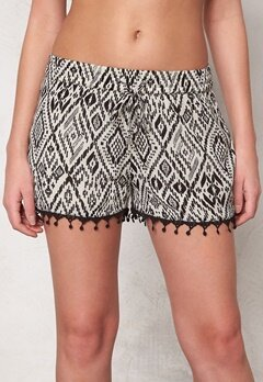 ONLY Mika Tribal Tiles Shorts Bone White Bubbleroom.se