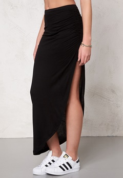 ONLY New Ria Skirt NOOS Black Bubbleroom.se