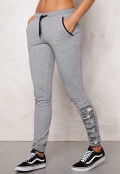 ONLY PLAY Joyelle Slim Sweat Pants Light Grey Melange Bubbleroom.se