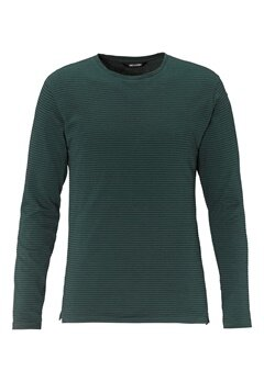 ONLY & SONS Aron ls fitted tee Green gables Bubbleroom.se