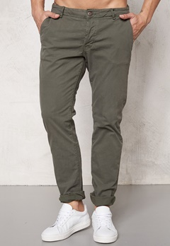 ONLY & SONS Sharp Chino Olive Olive Night Bubbleroom.se