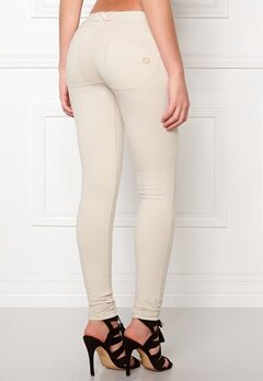 FREDDY Skinny Shaping lw Legging Z640 Bubbleroom.se