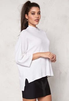 SOAKED IN LUXURY Juliette Pullover Lily White Bubbleroom.se